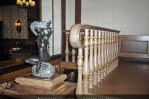 Скульптура и балясины из оселкового мрамора
