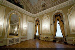Хоровой зал Большого Театра России после реставрации лепного декора