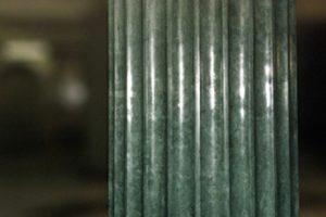 Колонна из оселковго мрамора в здании филиала Большого Театра