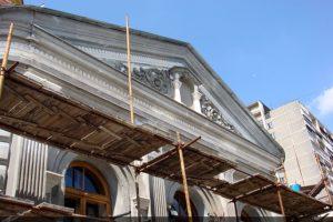 Во время проведения реставрационных работ на фасаде Храма Святой Великомученицы Ирины