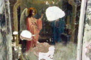 Фрагмент живописи до реставрации в Храме Св ВМц Ирины