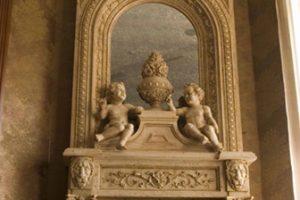 Камин из архитектурного бетона в частном доме