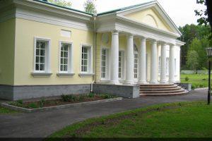 Фасад в Международном детском Православном Центре в Плесково