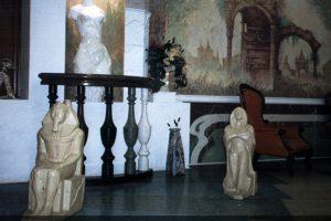 Скульптуры и балясины из оселкового мрамора